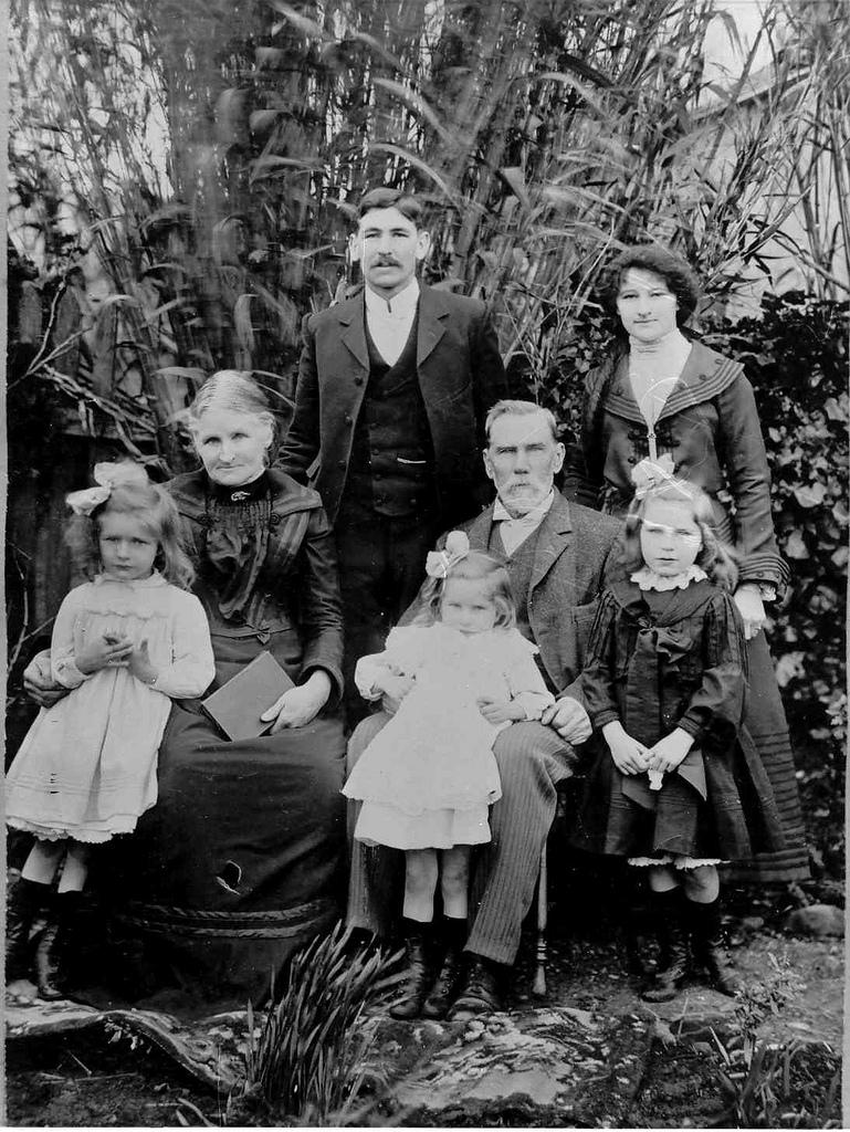 Fanning Family From Powlett St Sunbury Victoria