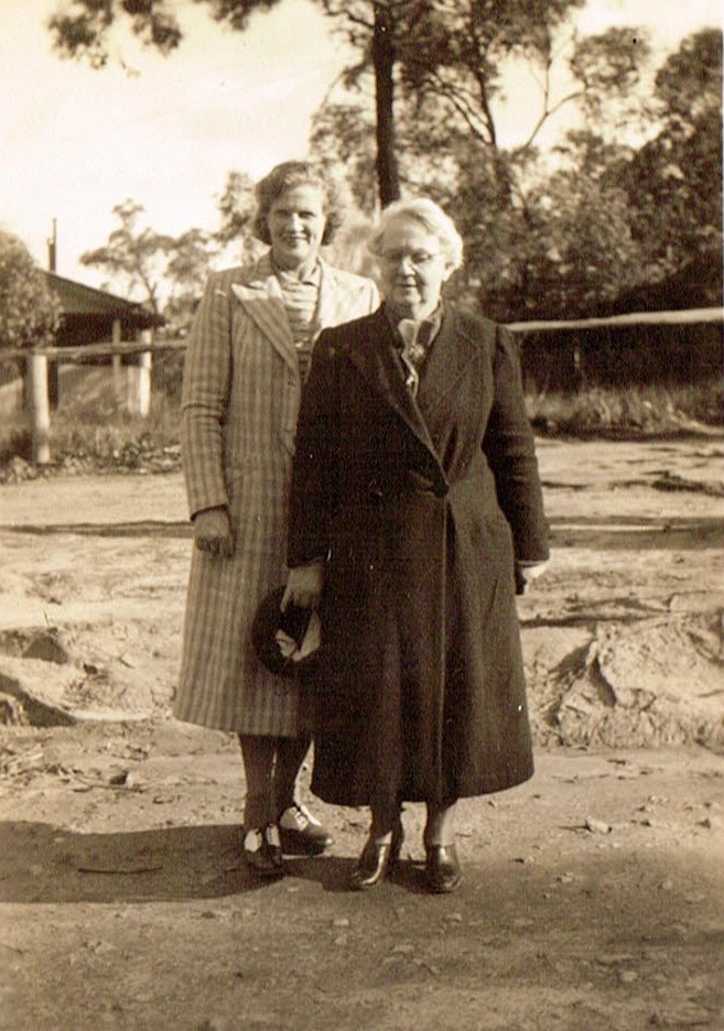 Ida Fanning and her sister Doris Antonie