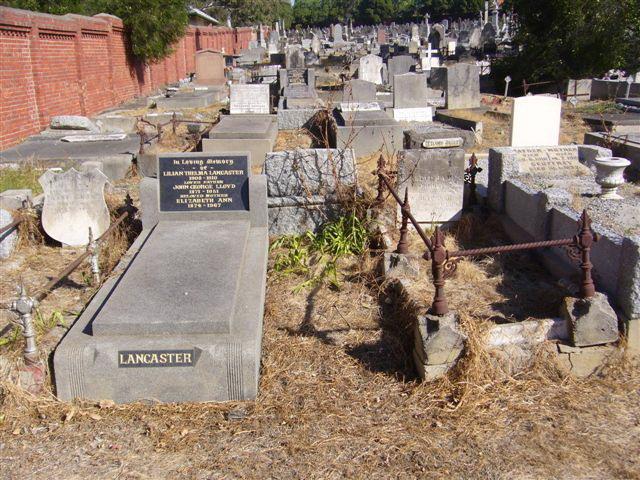 James Eason Cook, Annie Lord Cook & William Henry Senior Boroondara Cemetery Kew