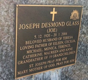 Joe Glass gravestone 1920-2004
