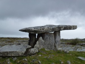 Poulnabrone Neolithic dolmen,portal tomb, c4200BC-2900BC The Burren Co Clare